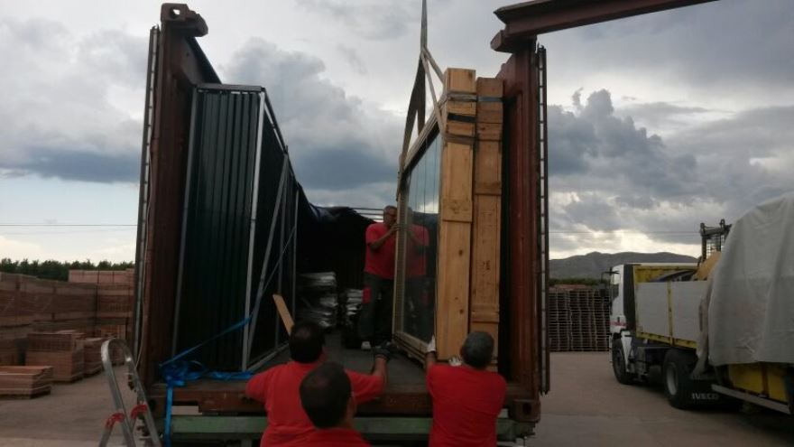 carga padel en contendor