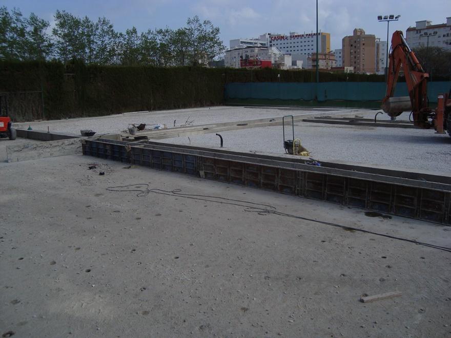 construccion zuncho perimetral pista padel