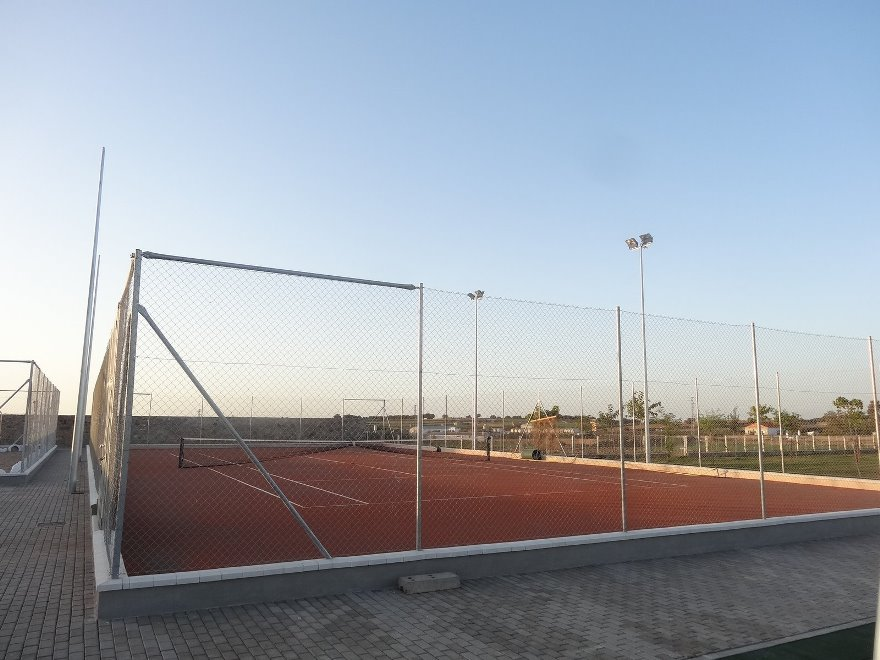 construccion pista de tenis de tierra batida en cordoba Celabasa sport