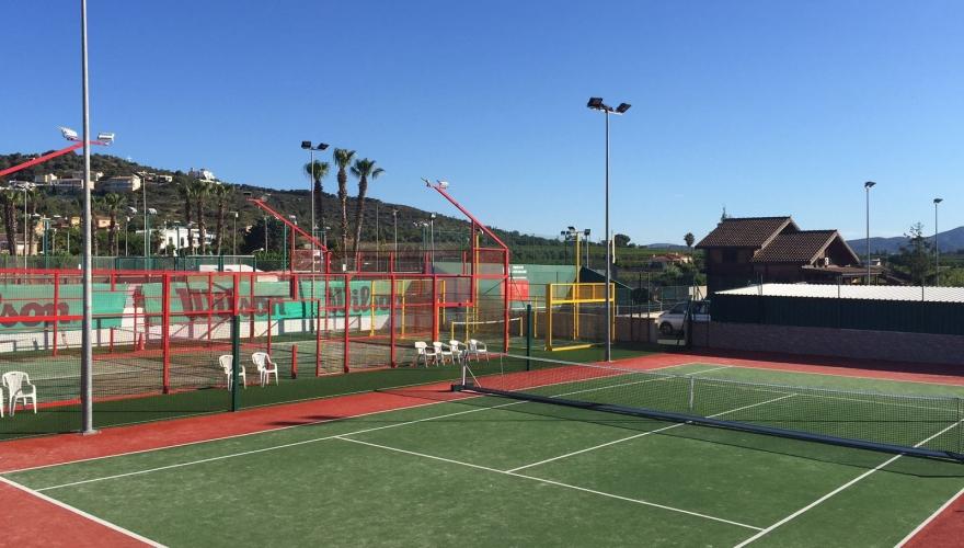 instalacion-cesped-pista-tenis