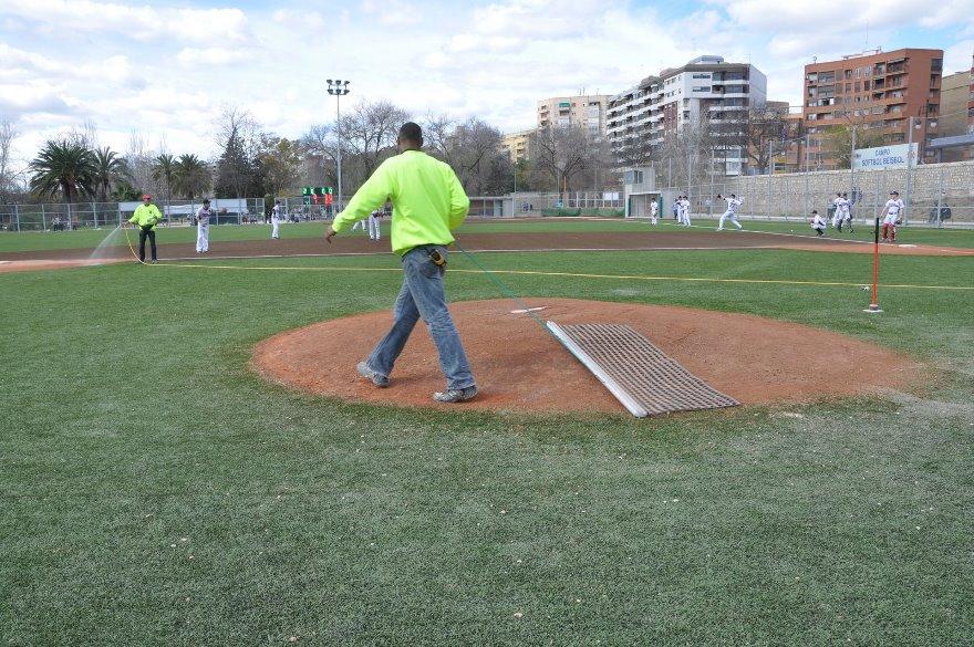 estera-manteniento-campo-beisbol-sofbol