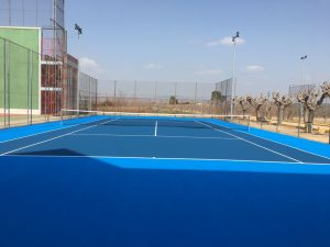 pista-tenis-polideportivo-resina-casali-celabasa-carlet